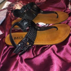 🌻5 for $25🌻 Mia Girl Roped Buckle Sandals